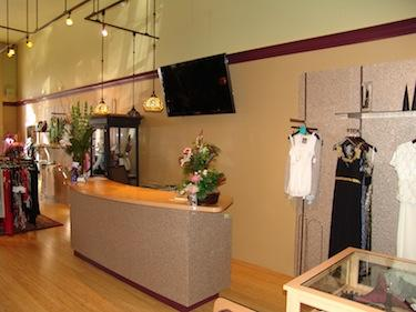 Bella Moda remodel - front counter - Bend, Oregon