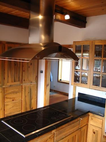 kitchen remodel with island hood and cooktop in Bend Oregon